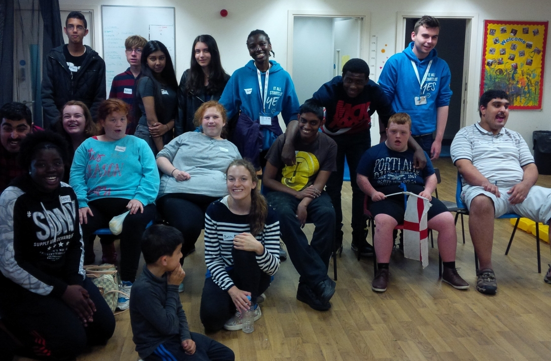 Group photo of youth group and NCS The Challenge Volunteers